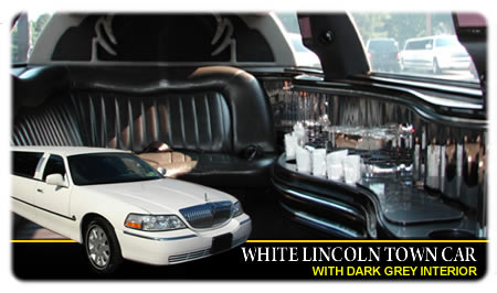 Lincoln Town Car With Dark Interior For 8 Passengers